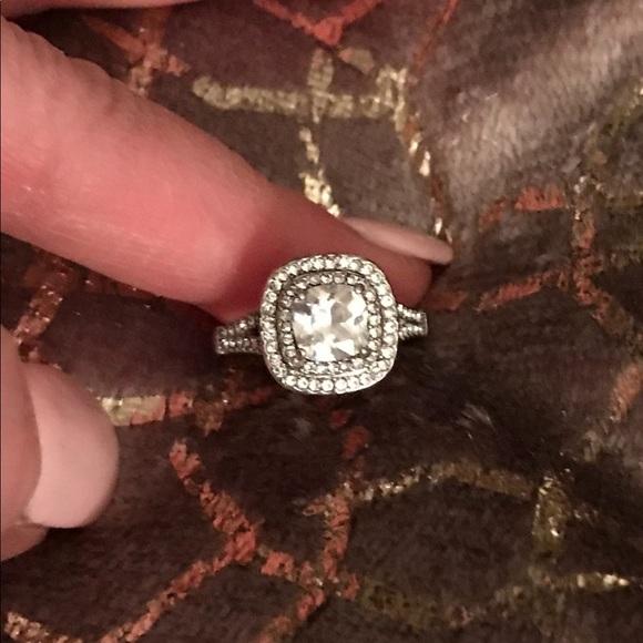 Macy's Jewelry - Ring  NWOT